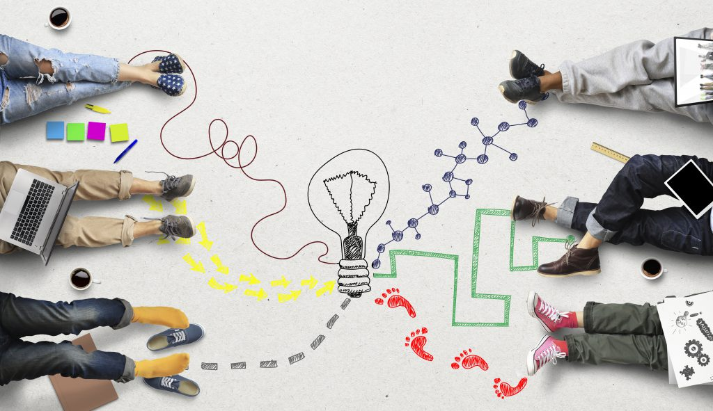 Mensen die samen tot een idee komen